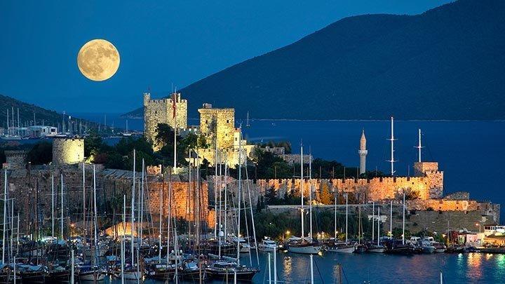 Bodrum Castle Moon