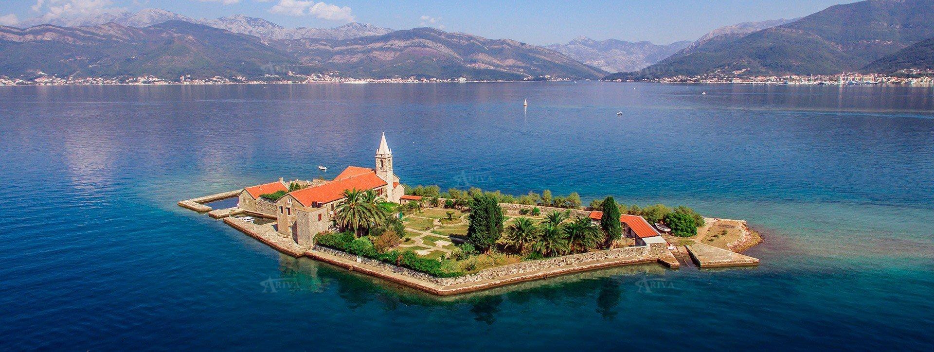 Island Montenegro