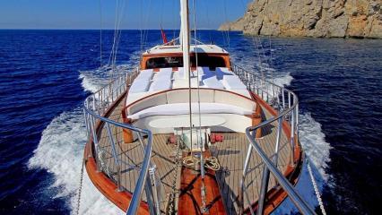 Azra Deniz