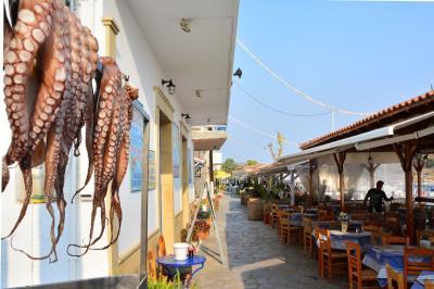 Restaurant In Aegina